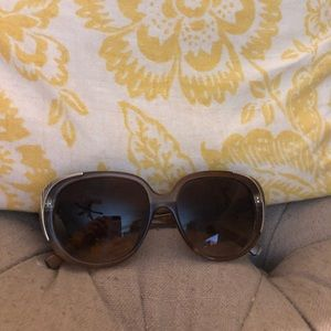 Accessories - brown sunglasses